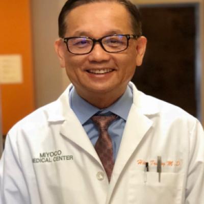 崇和平医生(Dr. Hiep Truong, M.D.)