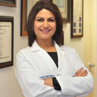 赛达格特医生(Dr. Sedaghat Debora, M.D.)
